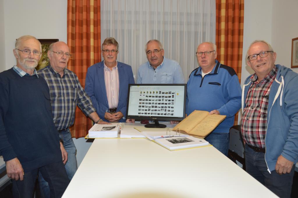 (v. lks.) Karl- Heinz Deeken, Gerhard Menke, Vorsitzender Manfred Plog, Jochen Freese, Eduard Bührmann und Werner Fangmann