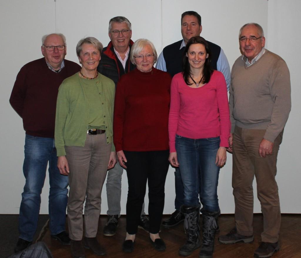 v. links: Eduard Bührmann (Stellvertretender Vorsitzender), Maria Engelmann (Schriftführerin), Günter Suhrenbrock (Stellvertretender Vorsitzender), Maria Thomas (Stellvertretende Vorsitzende), Gregor Brokamp (1. Vorsitzender), Claudia Böske (Kassenwartin), Jochen Freese (2. Vorsitzender)