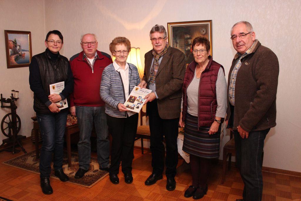 Auf dem Bild (v.links): Elisabeth Seelhorst, Eduard Bührmann, Berta Willenborg, Manfred Plog, Mechthild Quatmann, Jochen Freese.
